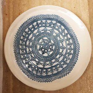 Il merletto blu nel piatto arte di blue napol